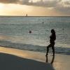Maura Rivera luce su embarazo en bikini a través de Instagram
